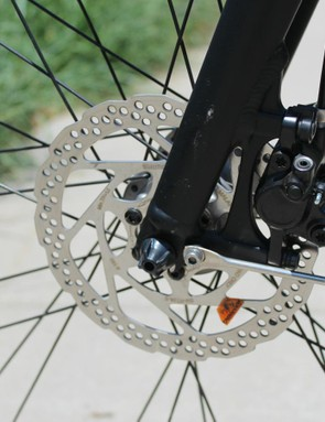 Shimano hydraulic discs provide reliable, easy-to-use braking