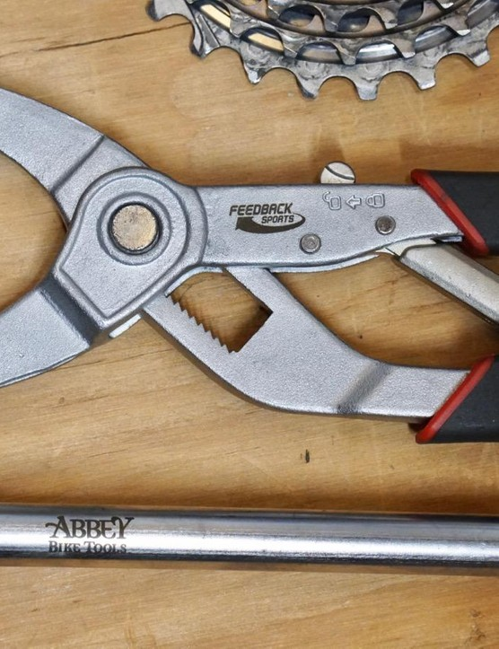 Feedback Sports' cassette pliers + Abbey Bike Tools' Crombie lockring tool = easy cassette work