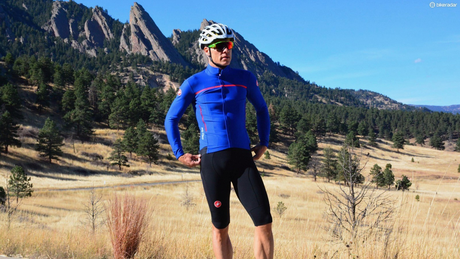 Maybe it's because I'm getting old and soft, but on cool to cold days I really appreciate clothing with Windstopper, like Castelli's Perfetto here in blue