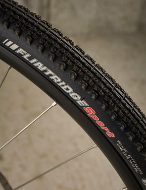 Comfortable tyres that are good on gravel, but the Kendas roll slowly on tarmac