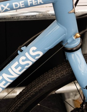 This frame utilises Reynolds 725 tubing instead of the regular, rebranded Taiwainese offering
