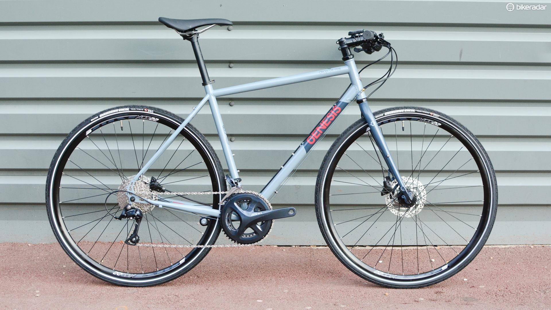 The Genesis Croix de Fer 10 FB looks perfect for upright commuting or touring