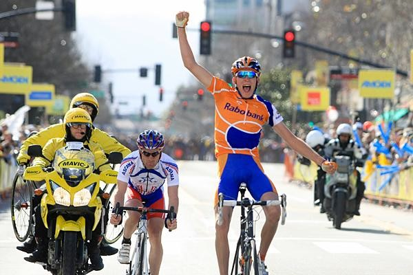 Robert Gesink takes Stage 3 of the 2008 Tour of California from eventual winner Levi Leipheimer.