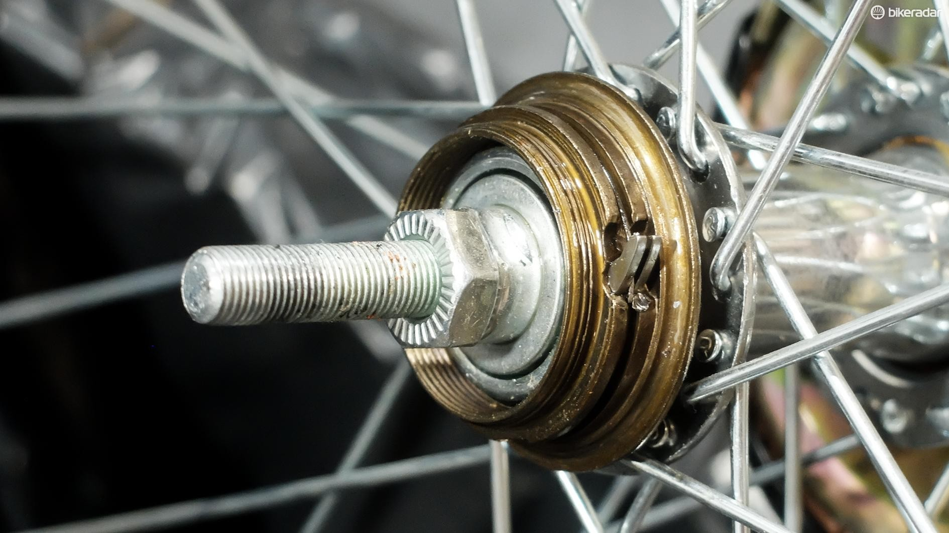 Efforts to remove the body of the freewheel proved fruitless