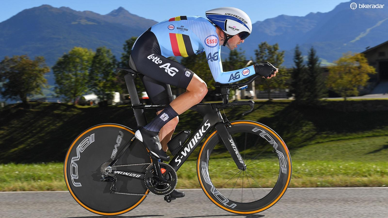 Laurens De Plus of Belgium wore the new speed suit with an external seat pad