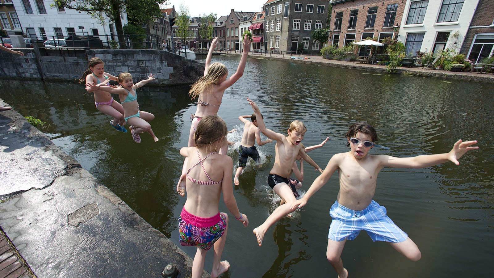 Dutch kids are said to enjoy better peer relationships, more freedom and less academic pressure than English-speaking children