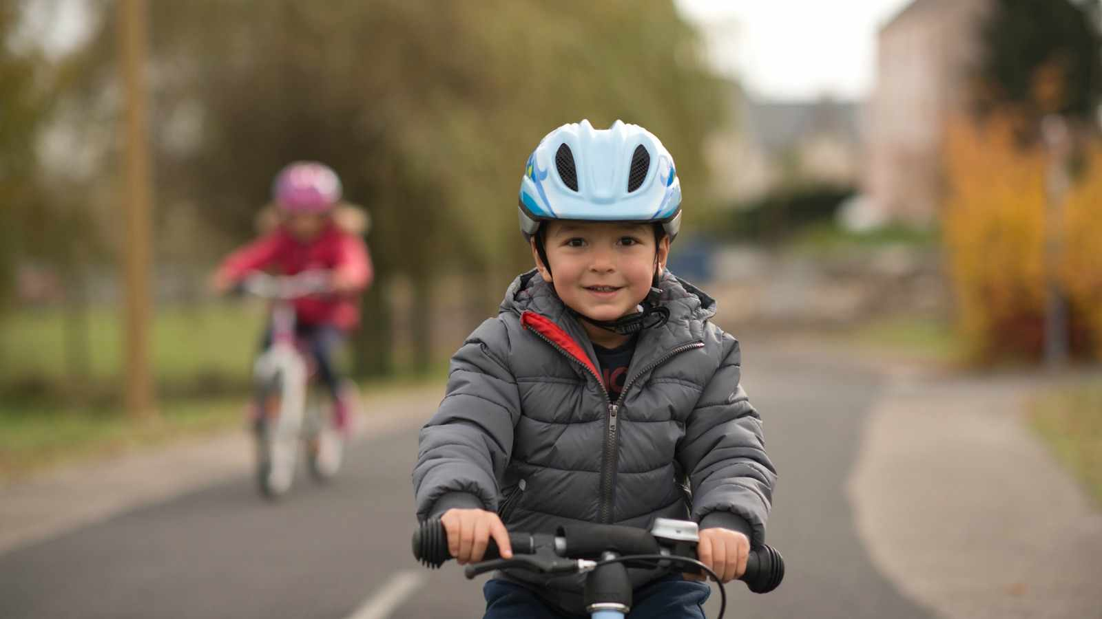 All children under 12 will have to wear bike helmets in France from March 2017