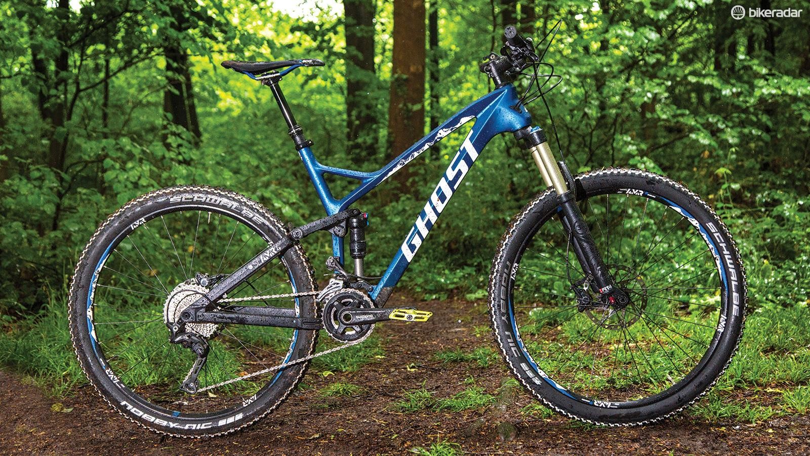 To get the best out of the SL AMR, you'll need to swap out those Schwalbe tyres