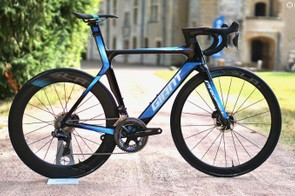Giant has gone all in on its own-brand wheels, integrated aero bar and saddles. Sunweb will race Giant wheels in 2018