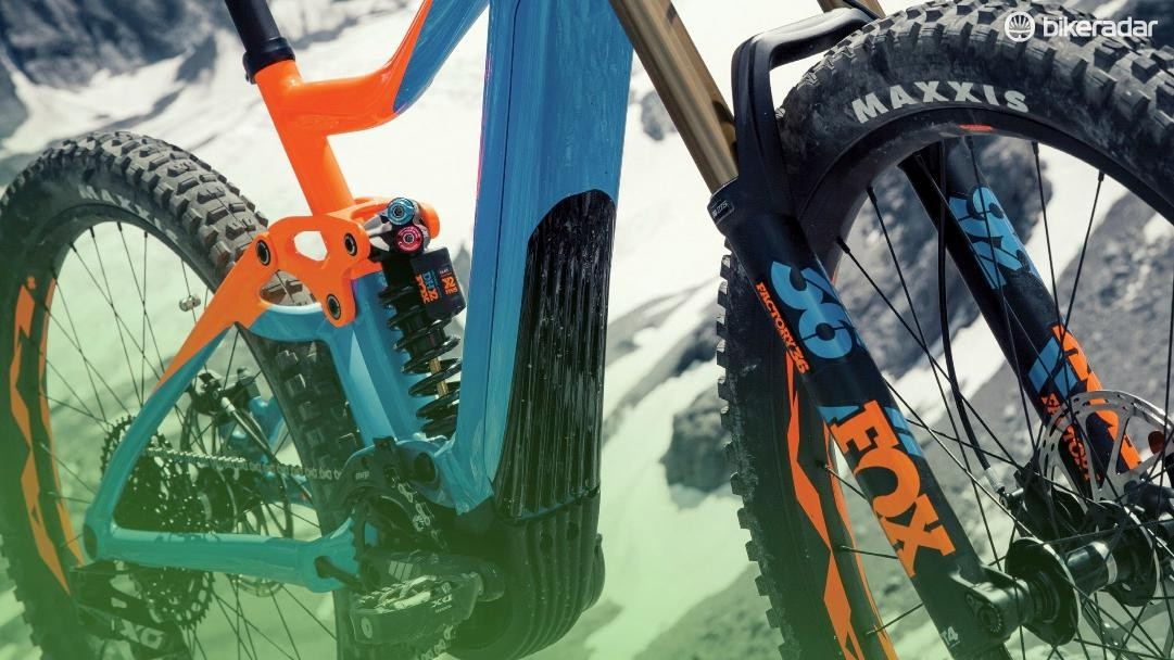 The Trance SX E+ is aimed at big-mountain riders