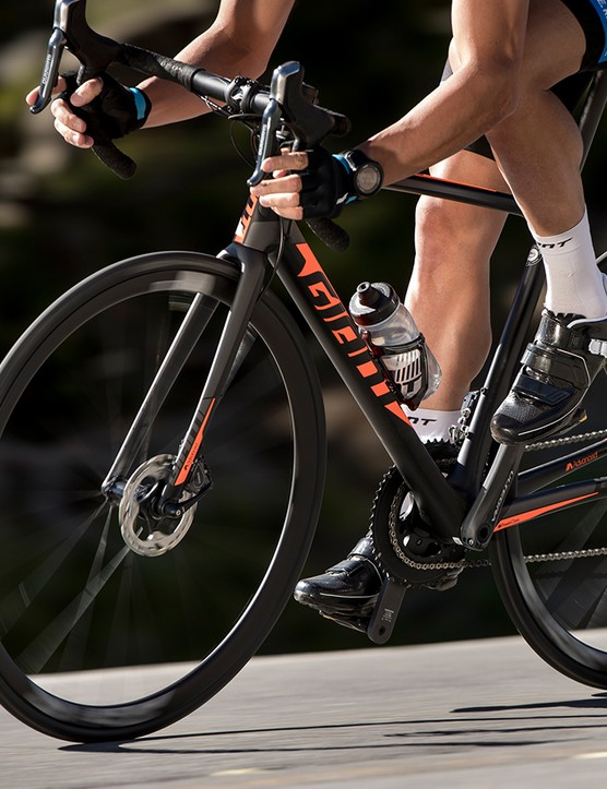 Giant has reworked the TCR Advanced line yet again, this time with hydraulic brakes, internal routing, tubeless tires, and - on the top model - SRAM eTap wireless shifting