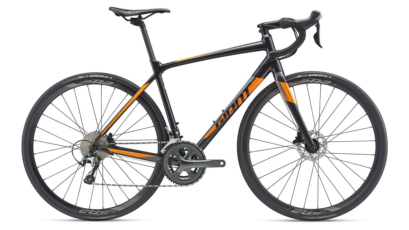 The Giant Contend SL 2 Disc is a great all-rounder with disc brakes