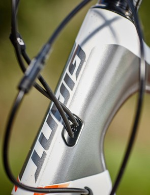 The Defy has neat internal cable routing, while the hydraulic disc brakes are a big step up from cable-actuated stoppers