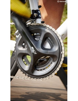 Shimano 105 is pretty much the go-to groupset at this price, and with good reason. It's unobtrusive and works faultlessly
