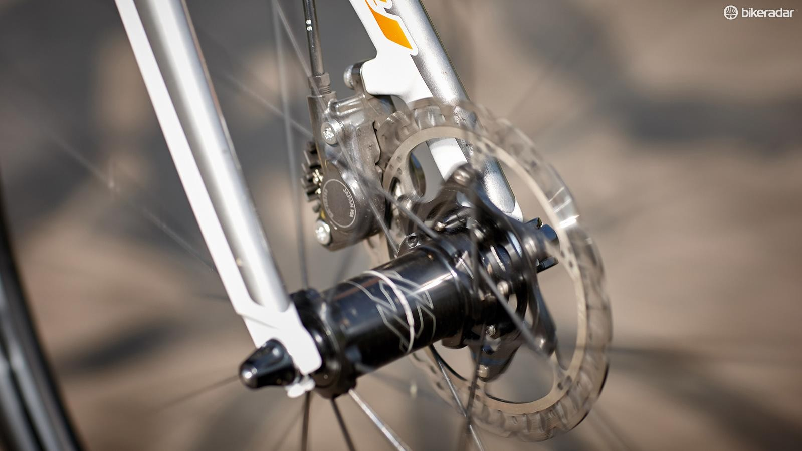 Every inch the modern endurance machine, from the compact frame and dropped seatstays to the hydraulic brakes