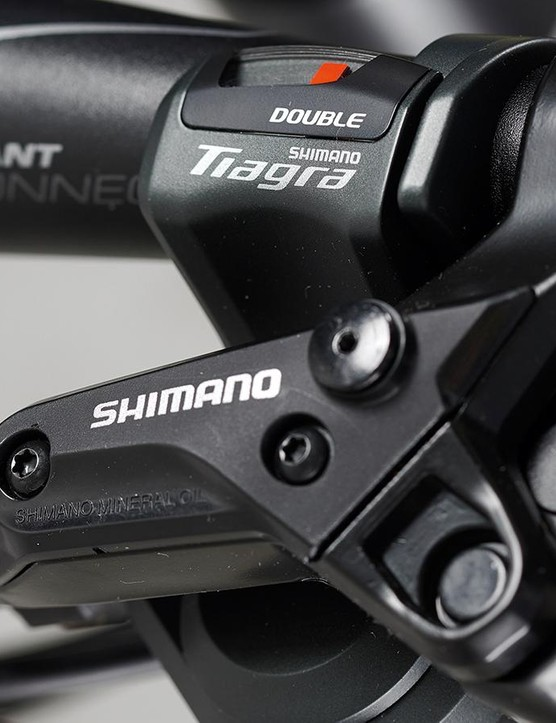 The narrow bar has room for Shimano Tiagra shifters
