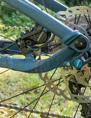 The non-series Shimano brakes are perfectly acceptable on a bike like this, which is unlikely to be pushed to the limit