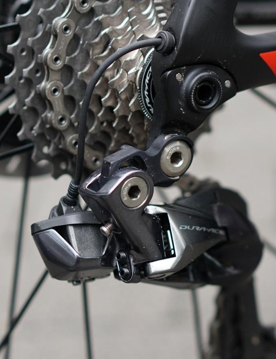 Matthews' bike has Di2, but it looks like the Propel Disc could handle mechanical systems, too
