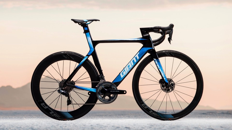 8327c462527 2018 Giant Propel Advanced Disc: all in on hydraulics - BikeRadar