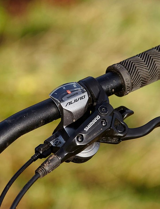 Gearing is 3x9 Shimano Alivio, basic but with plenty of range