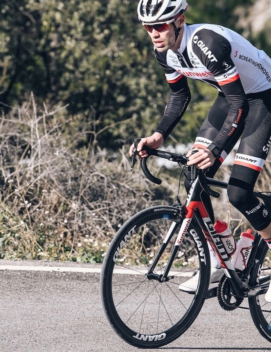 2017 Giro d'Italia champion Tom Dumoulin tests new Giant wheels and a pair of prototype Giant shoes at the team's recent winter training camp in Spain
