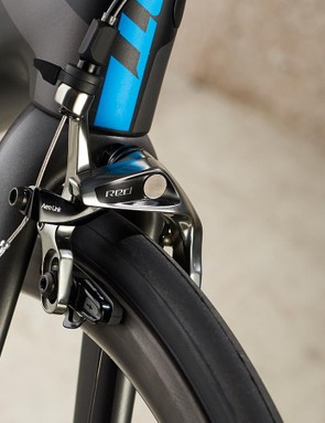 SRAM Red rim brakes keep the TCR's speed under control