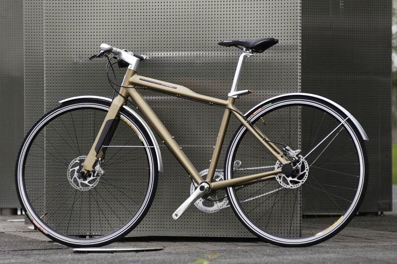 The front light, stem and handlebars all form one unit