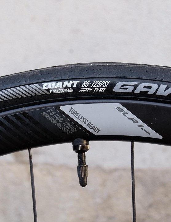 Giant SLR-1 Disc WheelSystem comes with a tubeless setup and ready to roll