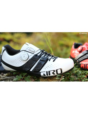 4aafaddf69fd The Giro Factor Techlace employs a unique lacing system anchored in Velcro  tabs