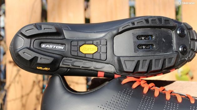 With a few big players already using Vibram rubber on the soles of their mountain bike shoes, we're hoping to see Arctic Grip appear in cycling once the technology opens to other brands