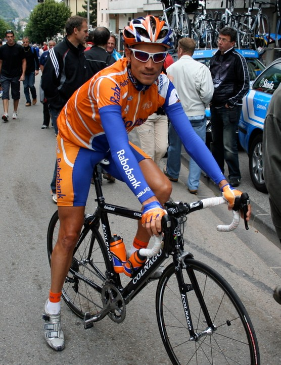 Grischa Niermann (Rabobank) sits astride his new Colnago CX-1 on the way to the start of the final stage of this year's Dauphiné Libéré.