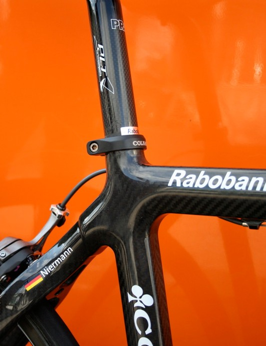 Unlike Niermann's previous Extreme-C the CX-1 is made in modular monocoque fashion instead of Colnago's more typical tube-and-lug construction.
