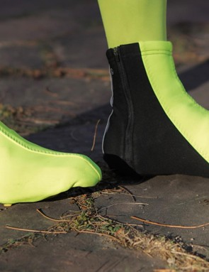 The Thermo shoe covers are an excellent layer for cold-weather riding, because they keep your feet warm but not clammy
