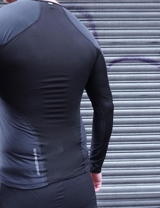 A breathable mesh back helps regulate temperature