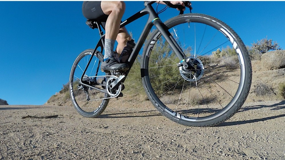 The M525 is ENVE's new cross-country rim. The G version means (gravel) road-friendly hubs