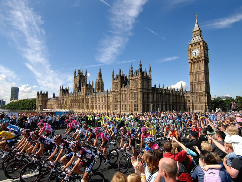 Tour de France Grand Depart wins special award for boosting UK cycling