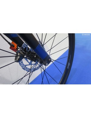 The Axman fork has provision for full mudguards