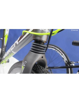 The Joker's fork is very much like a classic cannondale headshock