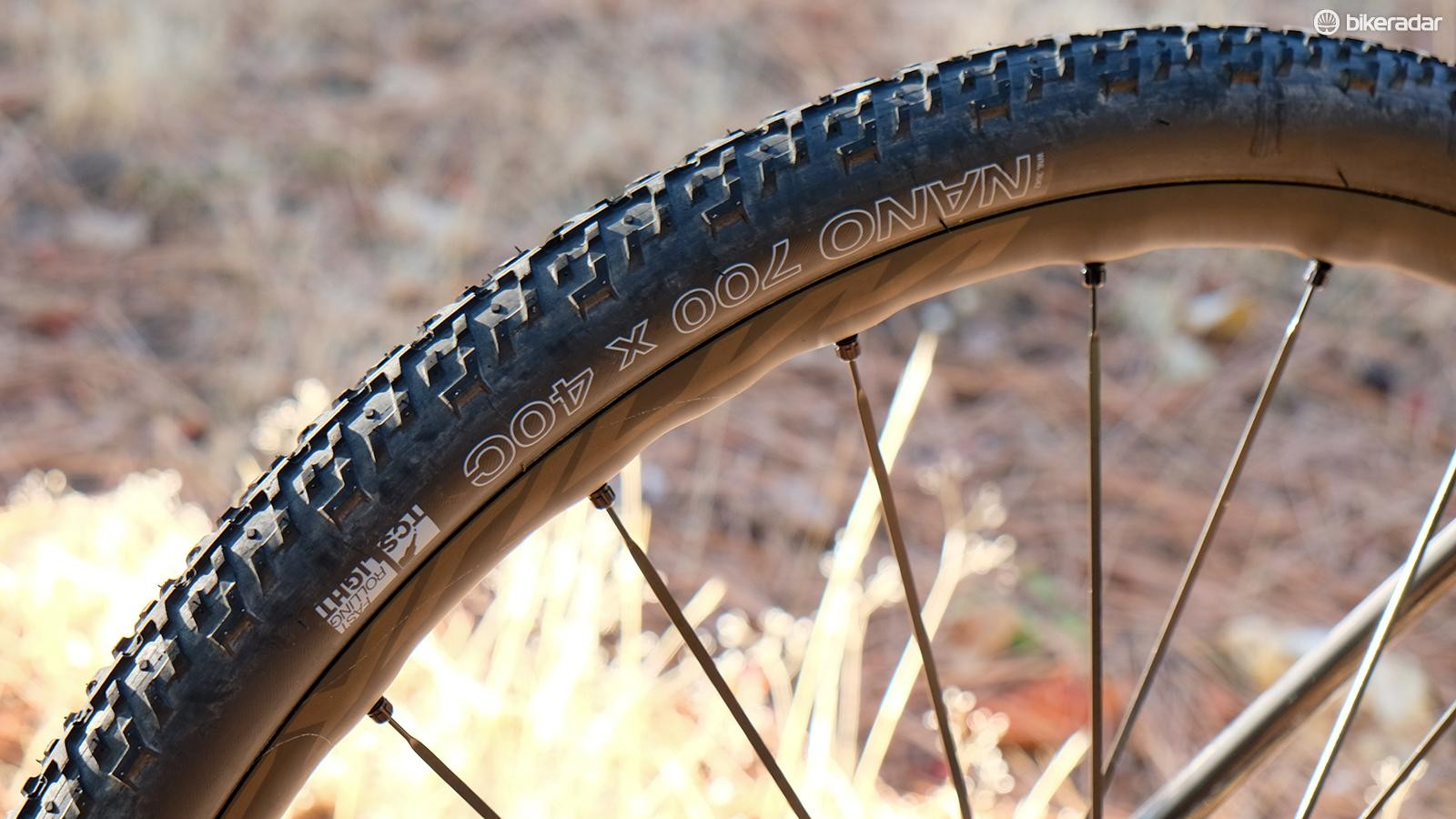 The round profile and elevated center tread give the Nano 40c great straight-line speed