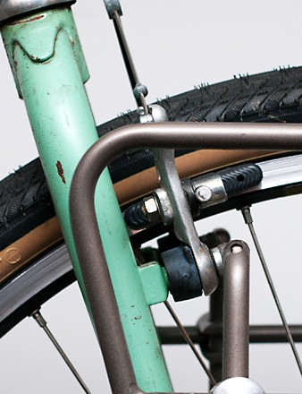 The Outpost rack attaches by a series of nifty, adjustable arms