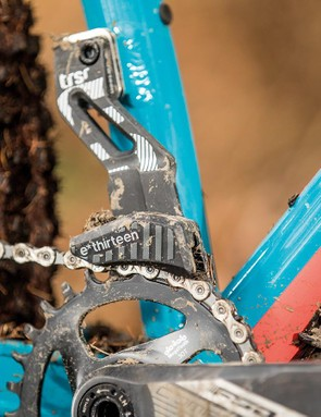 An e*thirteen upper guide provides some extra chain security