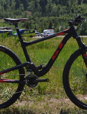 GT's Helion now rolls 29er wheels and 100mm of travel