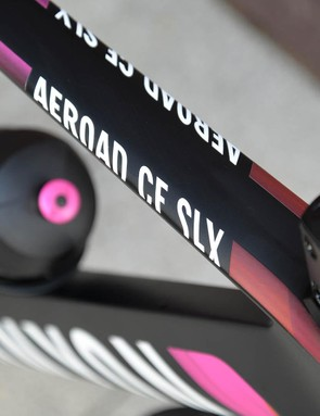 The Aeroad CF SLX is as its name suggests Canyon's top-line carbon aero race machine
