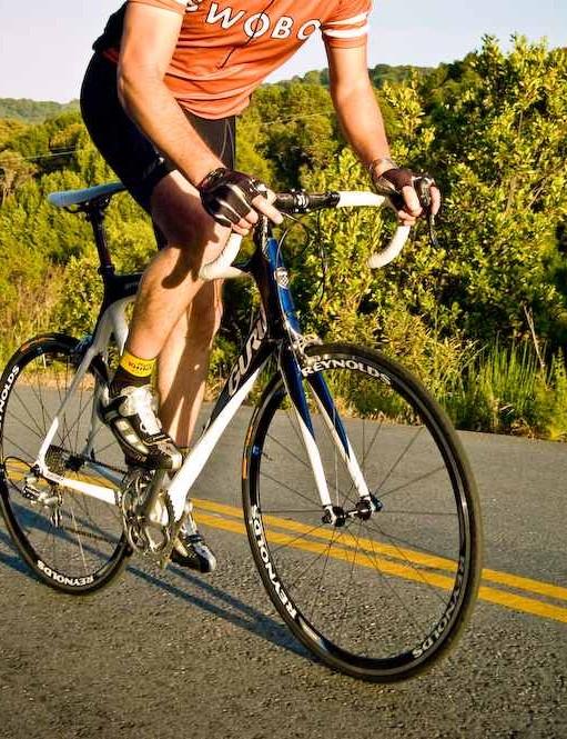 The Guru Geneo custom carbon road bike, made in Montreal.
