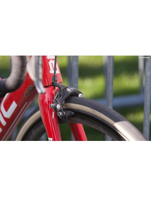 Van Avermaet uses 105-level Shimano brakes because they work well with his choice of bar-top brake lever