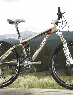The WSD EX8 comes in 'rootbeer' which happily looks a lot less like beige in the flesh