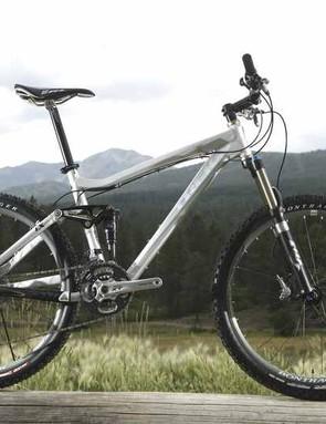 Fuel EX 9 has a striking brushed and polished aluminium finish