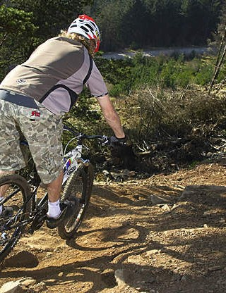 Hammering hardtails – all mountain techniques