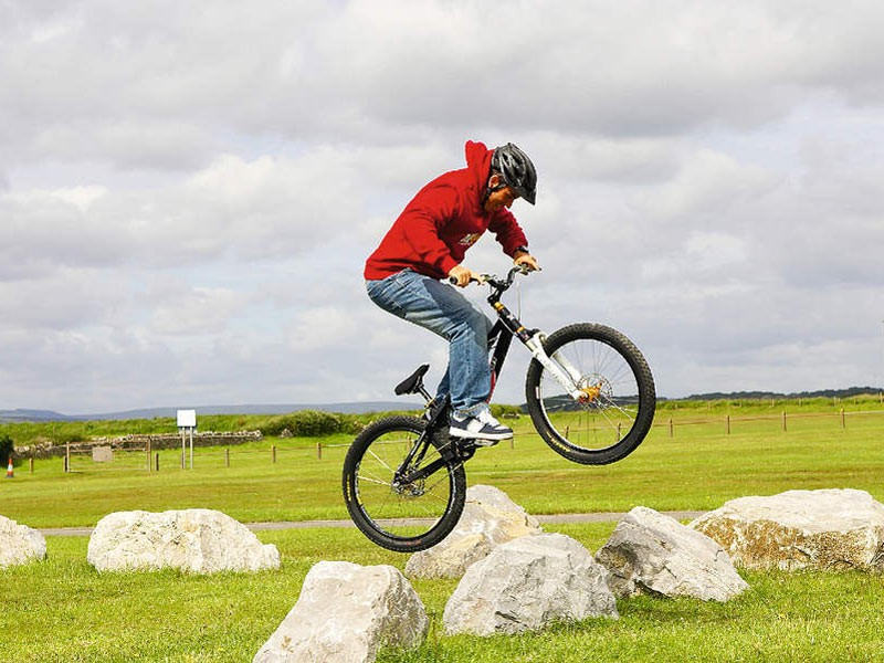 The bunnyhop is often scorned by those who haven't mastered it, but to put it frankly, it is a trail skill as essential as losing your stabilisers.