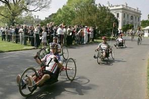 Handcyclists at the the start of the Soldier Ride